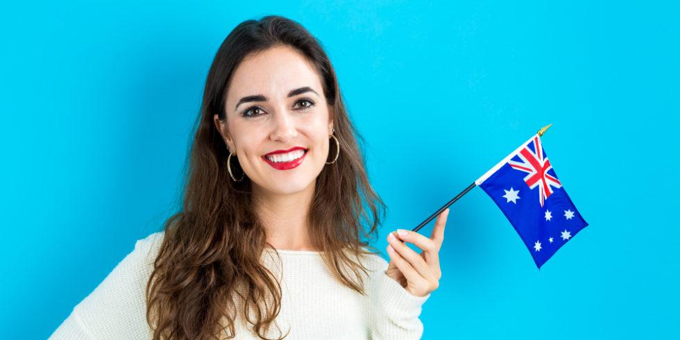Frau mit australischer Flagge