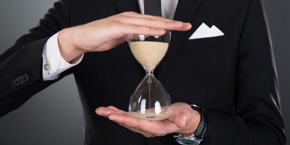 Die Anhebung der Arbeitszeit wird ausgelöst von einer besseren Konjunktur.