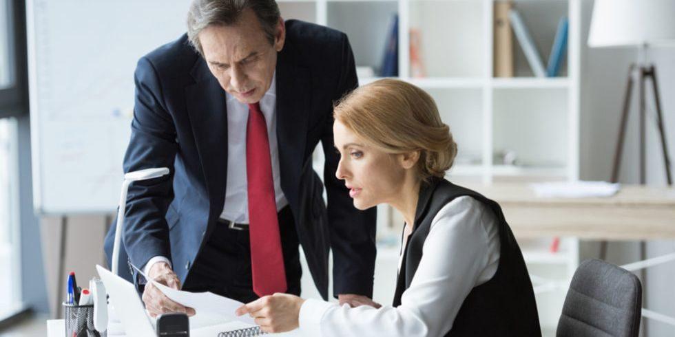 Schlechte Arbeitszeugnisse können problematisch sein.