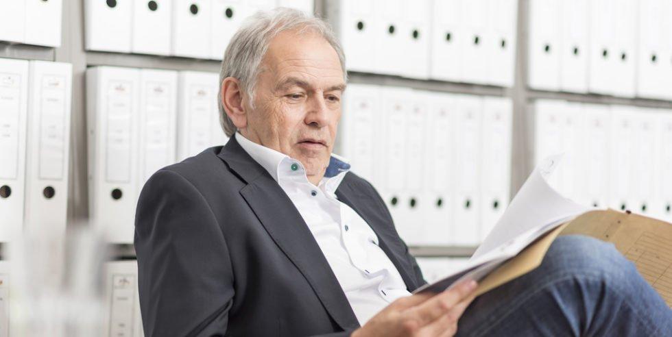 Sicherheit im Alter: Die Arbeit im öffentlichen Dienst verspricht eine geregelte Sicherheit in der Zukunft.