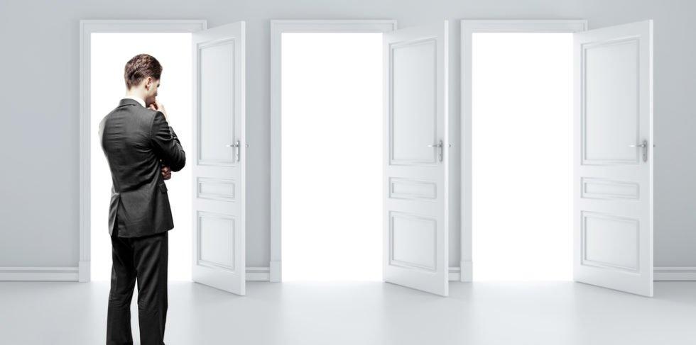 Berufliche Neuorientierung: Türen zu neuen Möglichkeiten.