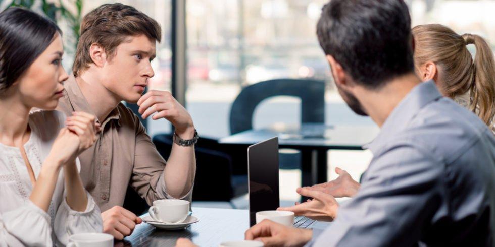 Persönliche Kommunikation ist auch im Zeitalter von Smartphones immernoch hochaktuell und wichtig.