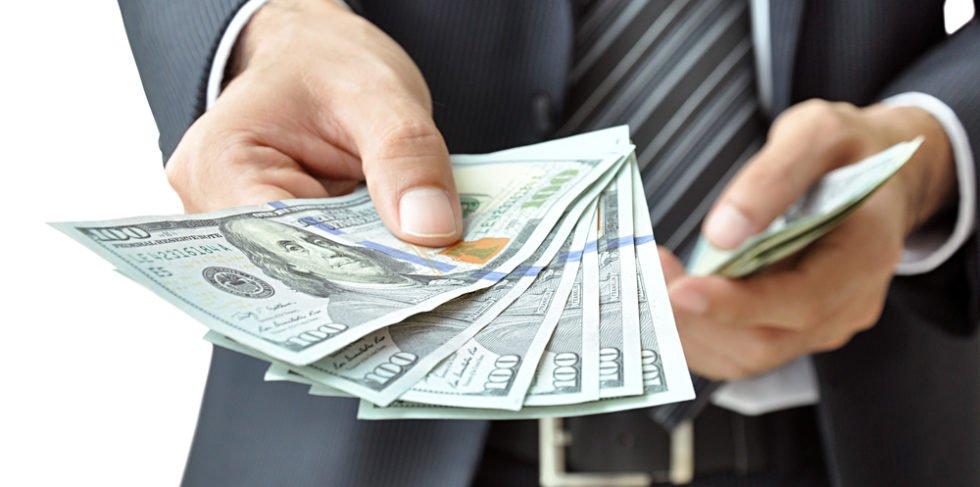 Ein Arbeitgeberdarlehen kann beispielsweise für Umzüge, Fahrzeuge etc. genutzt werden.