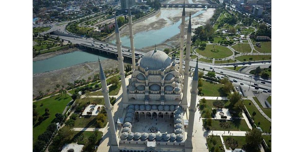 Deutsche Drohne vermisst größte Moschee der Türkei