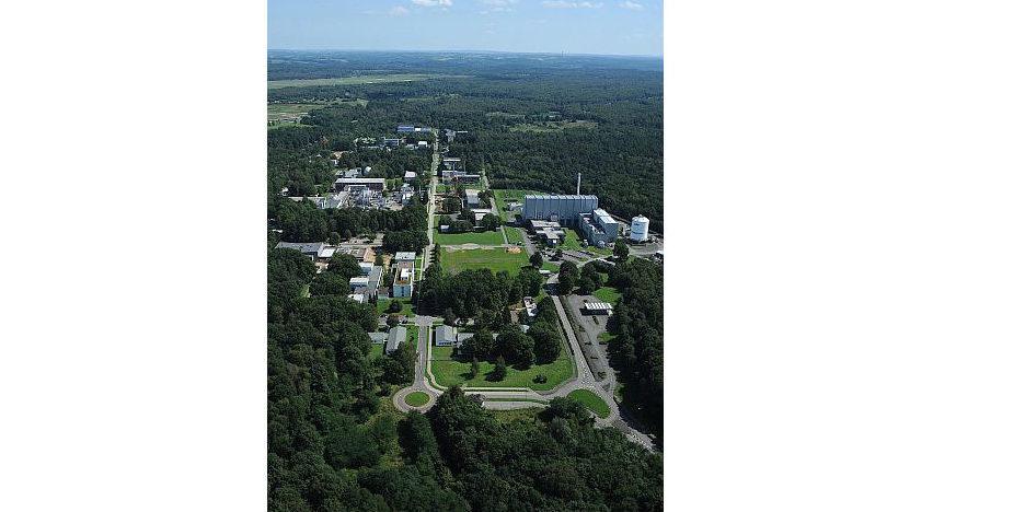 Der DLR-Standort Köln ist Sitz des Vorstandes. Außerdem bearbeiten dort Wissenschaftler in neun Forschungseinrichtungen die Themen Raumfahrt, Verkehr, Energie und Sicherheit.
