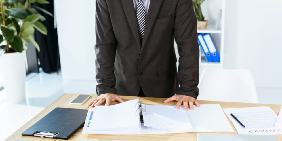 Auch wenn man meist anderes im Kopf hat: Besonders beim Arbeitgeberwechsel sind Versicherungen wichtig!