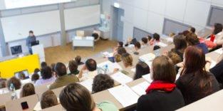 Jeder zweite Absolvent sollte im Ausland studiert haben
