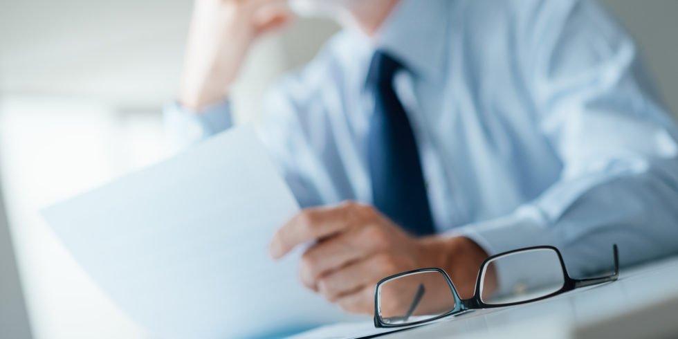 Klageverzichtsvereinbarungen: In der Regel verpflichtet sich auch der Arbeitgeber zu einer Gegenleistung.