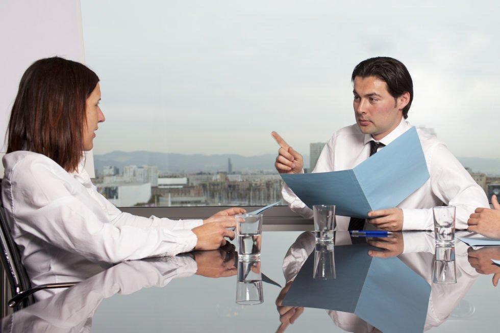 Verdachtskündigung: Ist der Verdacht dringend und somit das Vertrauen erschüttert, kann eine Klage drohen.