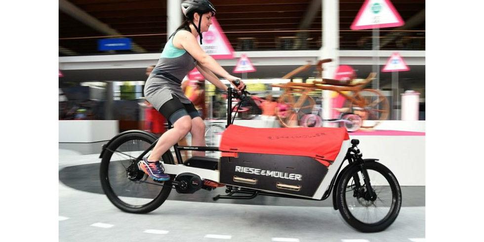 eurobike startet e bikes bleiben der megatrend. Black Bedroom Furniture Sets. Home Design Ideas