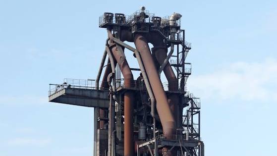 Europas einst größter Hochofen wird zu Stahlschrott.