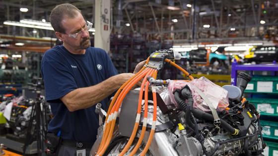 Ein Auto besteht aus geschätzten 10.000 Einzelteilen.
