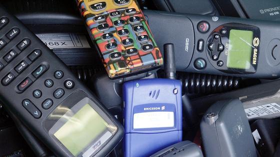 Ausrangierte Handys werden oft behalten.