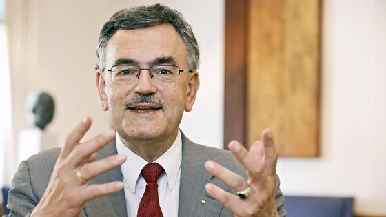 TUM-Präsident Herrmann