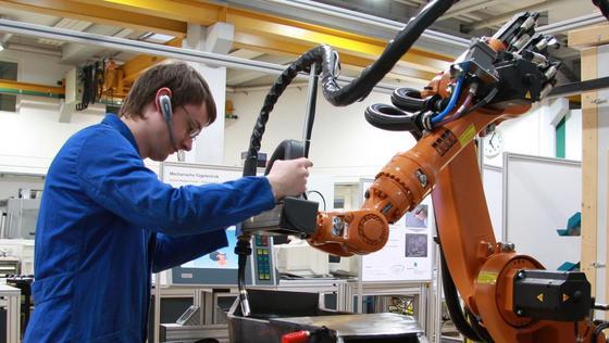 Industrie 4.0 treibt Automatisierungstechnik voran.