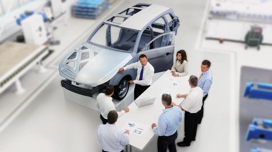 Die Automobilindustrie lockt viele Studierende.