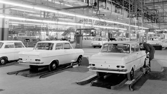 Opel: Seit 50 Jahren in Bochum.