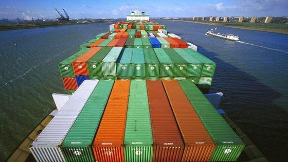 Das neue Schiffshebewerk wird auch größere Containerschiffe abfertigen können.
