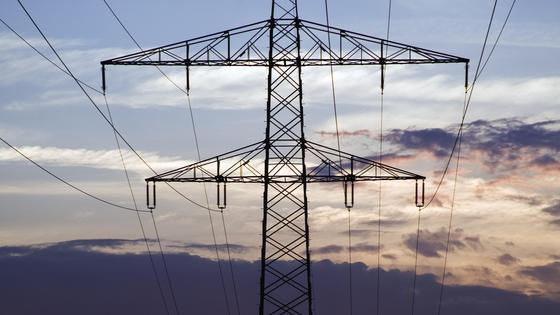 Erneuerbare Energien stellen die Netzbetreiber vor neue Herausforderungen.