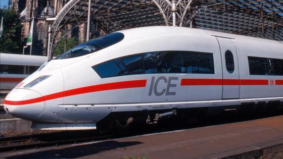 Ausschließlich ICE-Züge werden künftig die neue Bahnbrücke passieren.