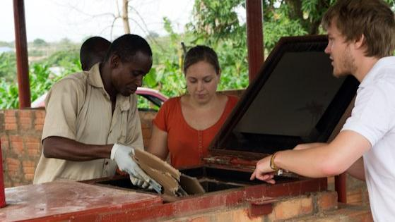 TeoG-Vereinsmitglieder reisen regelmäßig nach Afrika.