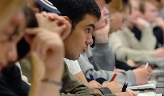 Nur wenige Studenten der Ingenieurwissenschaften absolvieren während des Studiums einen Auslandsaufenthalt.
