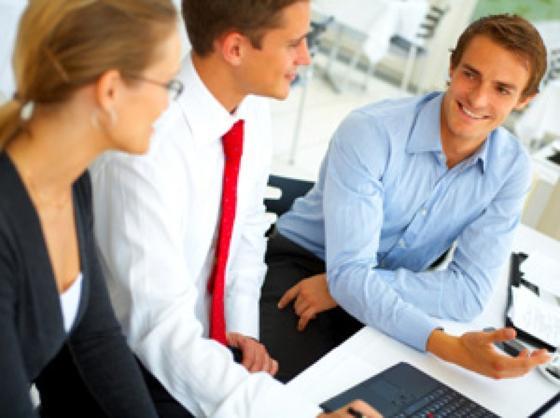 Ein gutes Coaching verhilft künftigen Führungskräften nicht nur zu mehr Fingerspitzengefühl im Umgang mit Mitarbeitern, sondern lehrt auch Selbstreflexion.