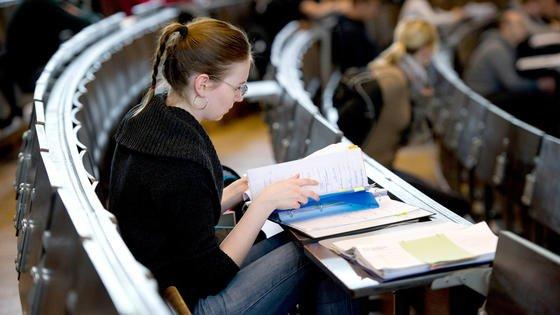 Hilfe zur Selbsthilfe: An der Universität Hannover bietet die Career Service-Stelle umfangreiche Hilfestellung bei der Studienorganisation.