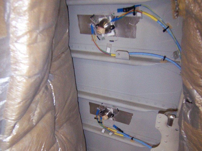 Kleine, aber feine Einheit: Das Energy-Harvesting-Modul steckt gepolstert in der Wand des Flugzeugs.