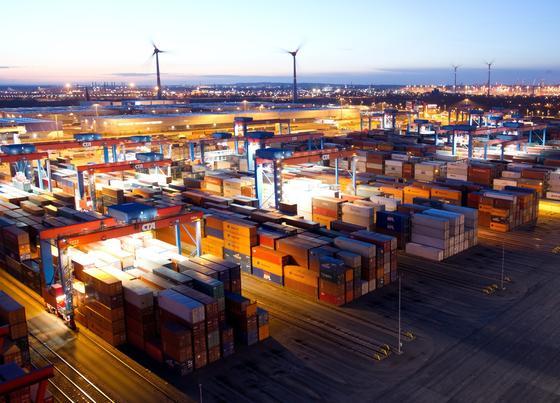 Das RWI prognostiziert für 2014 ein Wirtschaftswachstum von 2,1 Prozent und erwartet im nächsten Jahr auch wieder Impulse aus dem Außenhandel.