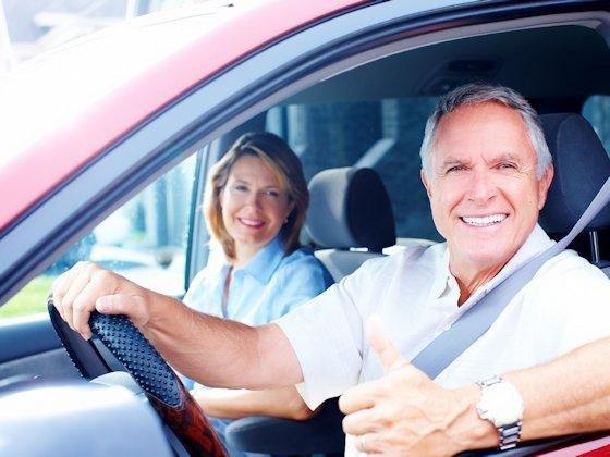 Unter Kontrolle: Jeder zweite deutsche Autofahrer würde eine Police abschließen, deren Prämie sich nach dem Fahrverhalten bemisst, das per Telematik erfasst wird.