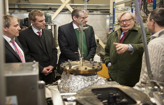 Physik-Nobelpreisträger Carlo Rubbia besucht das KIT.