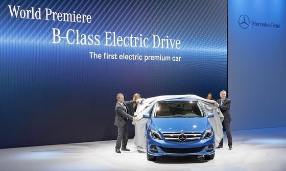 Weltpremiere: Mercedes-Benz präsentiert auf der New York International Auto Show 2013 die B-Klasse Electric Drive.