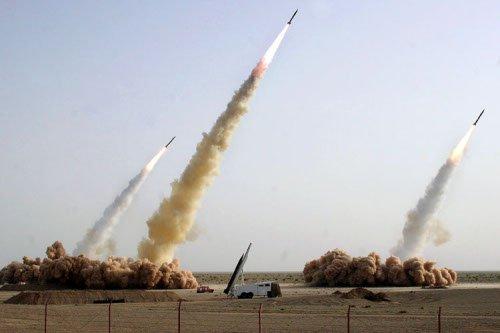 An westliche Redaktionen weitergereicht wurde ein bearbeitetes Foto– mit nur drei Raketen.