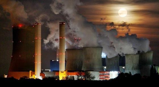 Das Braunkohlekraftwerk Niederaußem in Nordrhein-Westfalen hat den höchsten Schadstoffausstoß aller Kohlekraftwerke in Westdeutschland.