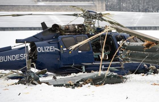 Während einer Übung der Bundespolizei auf dem S-Bahnhof Olympiastadion kam es während der Landung zweier Hubschrauber zu einer Kollision.