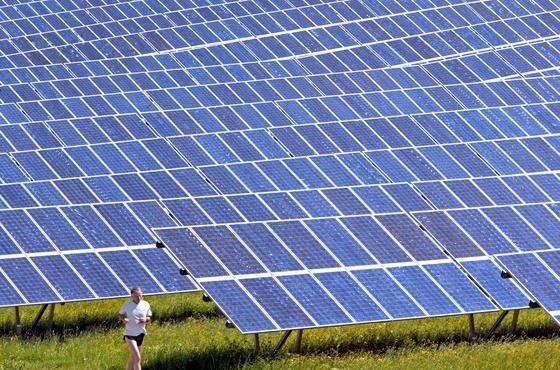 Die Effektivität konventioneller Solarzellen will das schwedische Start-Up Sol Voltaics mit winzigen Nanodrähten um 25 Prozent steigern.