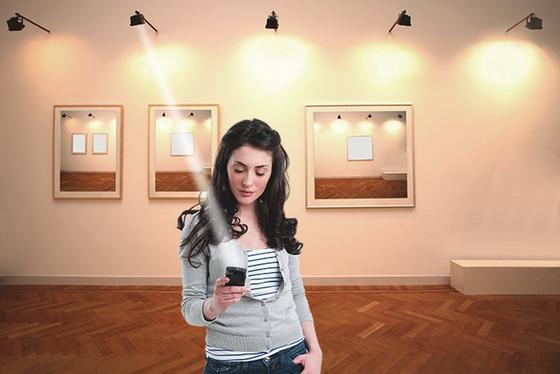 Statt per WLAN könnten Internetzugänge künftig auch über sichtbares Licht erfolgen, beispielsweise im Museum, um die Besucher mit Informationen zu versorgen.
