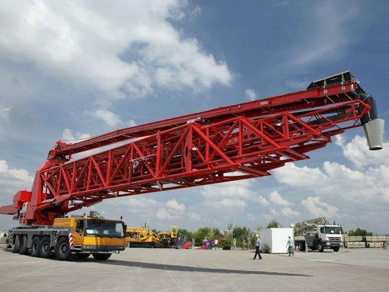 Bis auf 61 Meter lässt sich der Gurtförderer von Putzmeister ausfahren, der aktuell beim Ausbau des Panama-Kanals eingesetzt wird. Deutsche Baumaschinen sind derzeit weltweit stark gefragt.