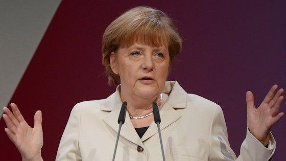 Angela Merkel kritisiert auf der Hannover Messe das Vorgehen Russlands gegen Nichtregierungsorganisationen.
