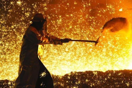 Die Stahlindustrie rechnet damit, dass sich die Produktionsmenge 2013 auf Vorjahresniveau bewegt. Gleichzeitig steigen die Preise.