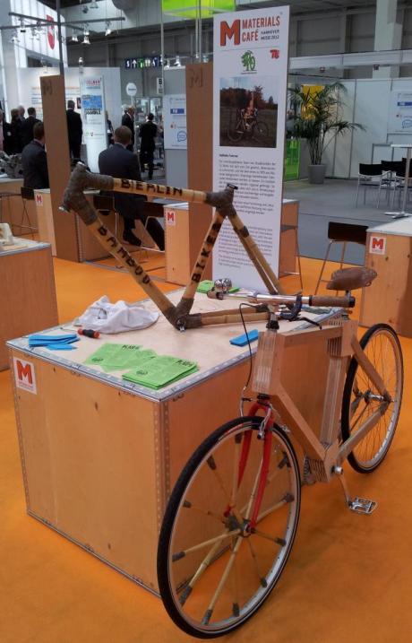 Dieses Rad ist vorwiegend aus Bambus gefertigt.