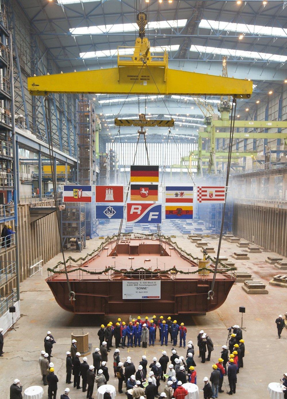 An der Feier zur Kiellegung des Forschungsschiffs Sonne auf der Meyer-Werft in Papenburg nahm auch Bundesforschungsministerin Wanka teil.