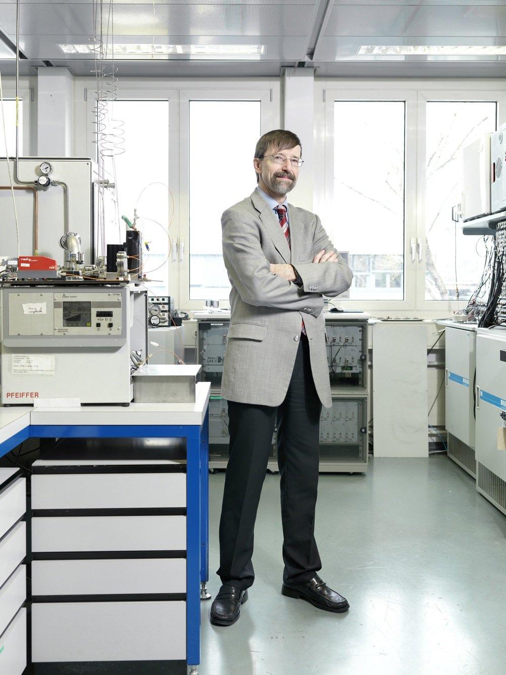 Professor Petr Novak