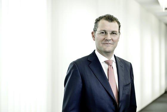 Gesamtmetall-Präsident Rainer Dulger hat Lohnerhöhungen für die Metall- und Elektroindustrie angekündigt, fordert aber je nach Lage der Unternehmen flexible Eröhungen.