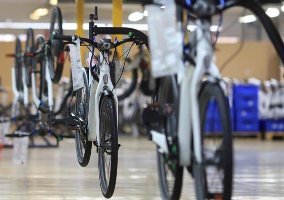 2012 wurden rund 400 000 Elektro-Fahrräder in Deutschland verkauft. Von dem boomenden Absatz will auch die Continental-Tochter Contitech profitieren, die Antriebskomponenten für Pedelecs herstellt.