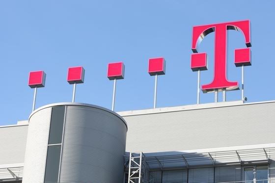 Ab Mai fallen für Neukunden der Deutschen Telekom auch im Festnetz Mehrkosten an, wenn ein bestimmtes Datenvolumen im Monat erreicht ist.