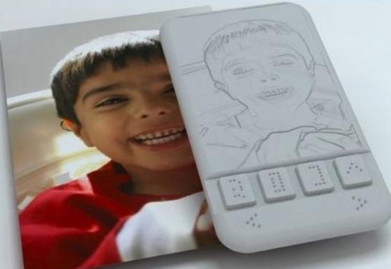 Ein Braille-Smartphone könnte sehbehinderten Menschen mobilen Zugang zu Informationen liefern. Bislang bietet kein Hersteller ein solches Gerät an.