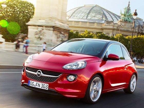 Vielseitig im Design: Damit kein Adam wie der andere aussehen muss, bietet Opel mit einem um‧fangreichen Individualisierungspaket für sein neues City-Auto viel optischen und fahrwerkstechnischen Variabilitätsspielraum.