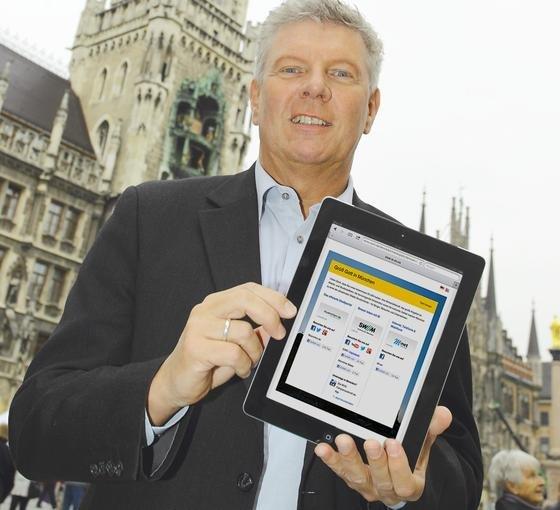 Er hat das kostenlose Münchner WLAN-Netz auf dem Marienplatz als erster ausprobiert: der Stadtwerkerferent Dieter Reiter.